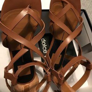 Dolce Vita sandals in tan W 8